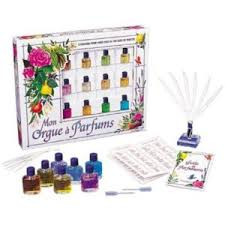 Portland_Christmas_Gifts_for_Kids_my_perfume_maker_sentosphere