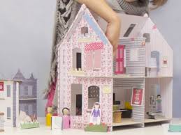 Toys_in_Portland_lille_city_dollhouse