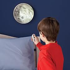 Portland_toys_moon_in_my_room