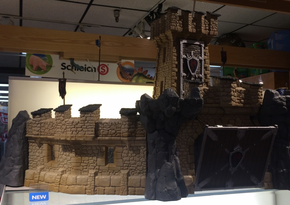 schleich_castle_portland_toys