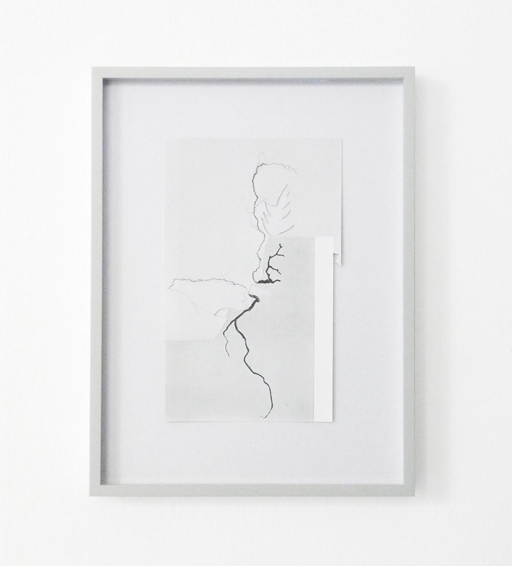 Shape/ halny , 2014, paper, glue, 30 x 22,5cm