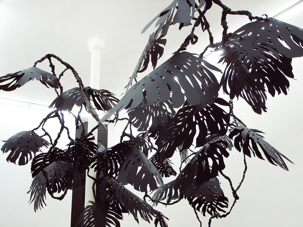monstera, 2007 metal, paper, glue, nylon  Drift, SchleicherLange, Paris