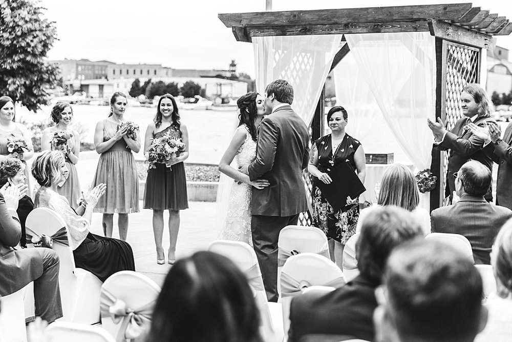 Oshkosh Wedding Photographer_0011.jpg
