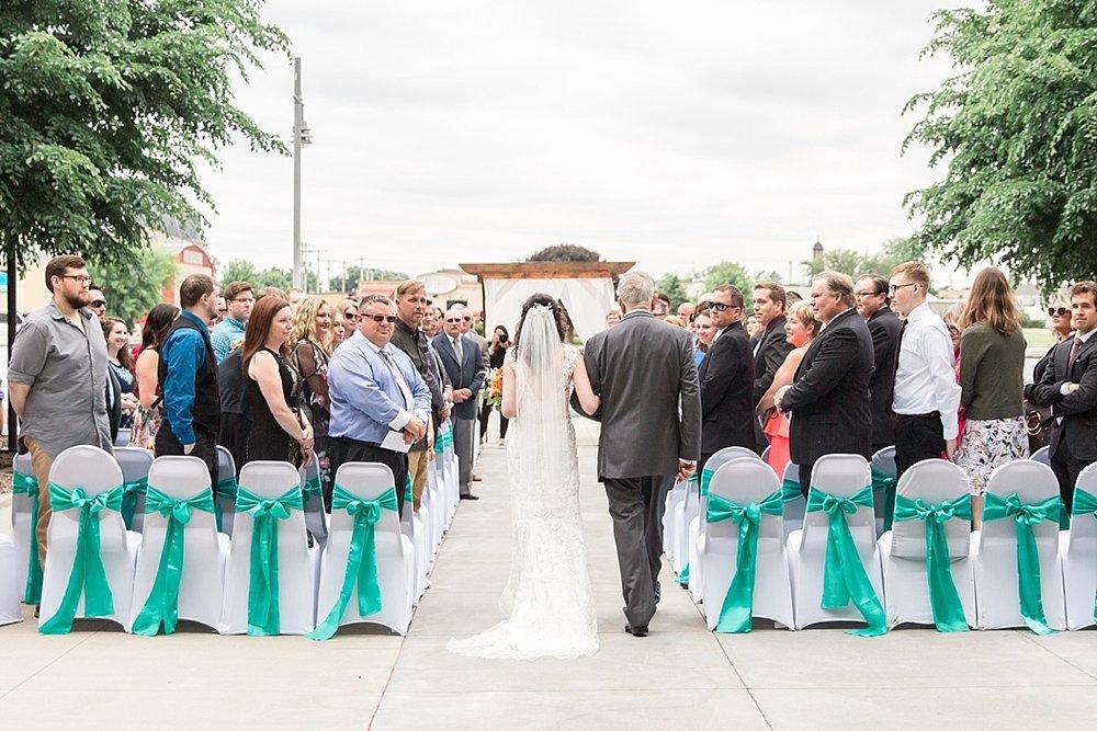 Oshkosh Wedding Photographer_0023.jpg