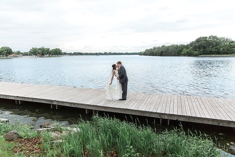 Oshkosh Wedding Photographer_0024.jpg