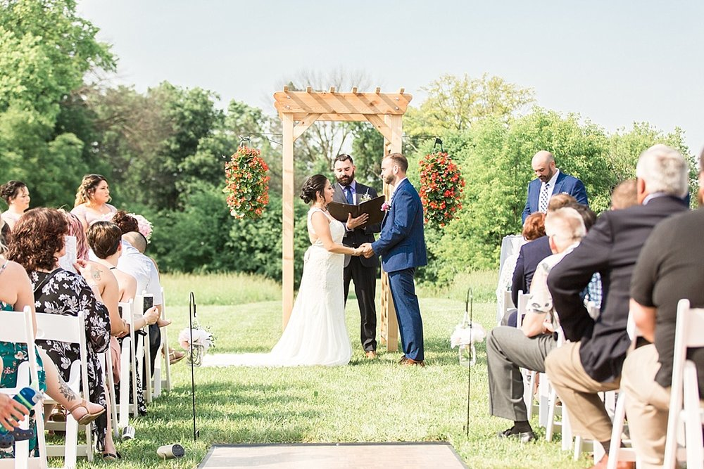 Milwaukee Backyard Wedding_0020.jpg