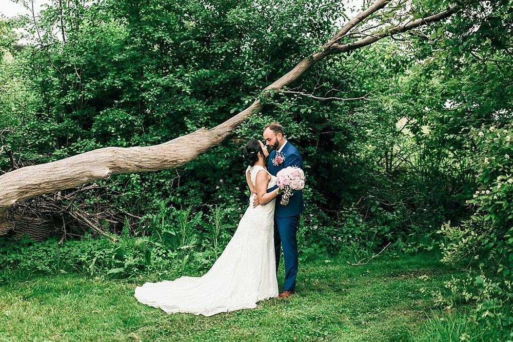 Milwaukee Backyard Wedding_0039.jpg