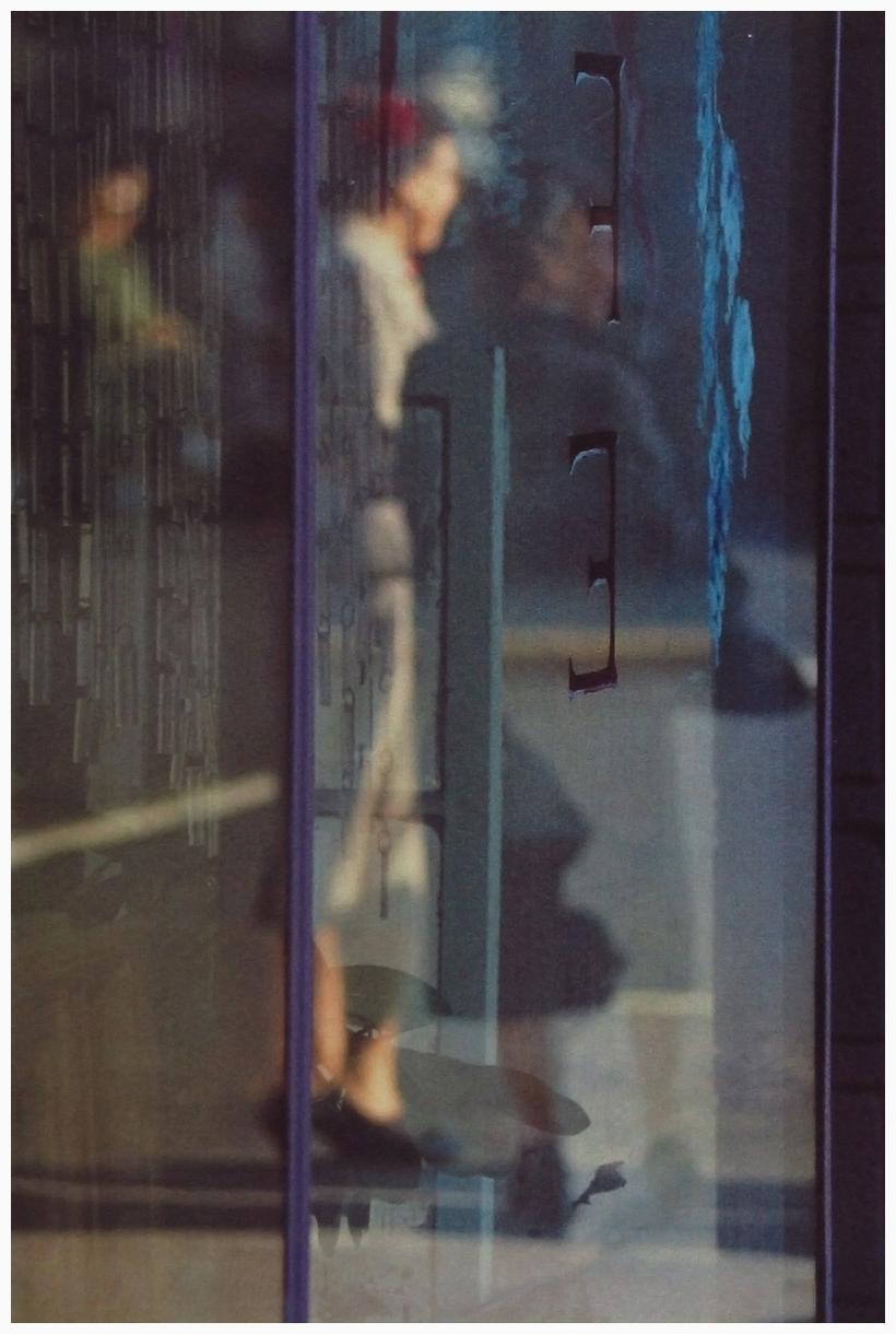 saul-leiter-22walking22-1956.jpg