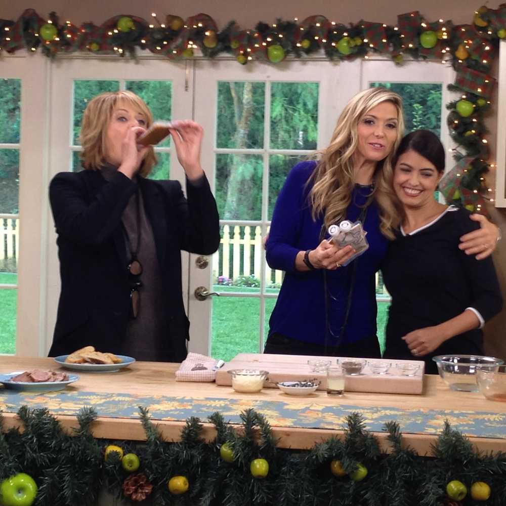 Cristina Ferrare & Debbie Matenopoulos enjoy Simple baby foods with founder Nicole Tubiola.