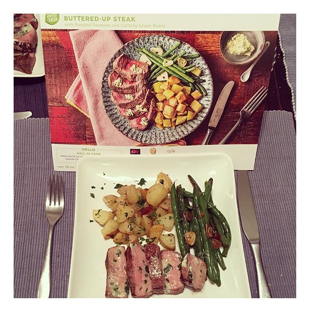 I had a happy family with day 2 of @hellofresh 😊 I saved a little time by doing things slightly out of recipe order and I added a squeeze of lemon to the green beans... But overall it was an incredibly simple meal to make & it had great flavor. Plus this meal for 2 had more than enough for the 3 of us! #notanad #notbeingpaid