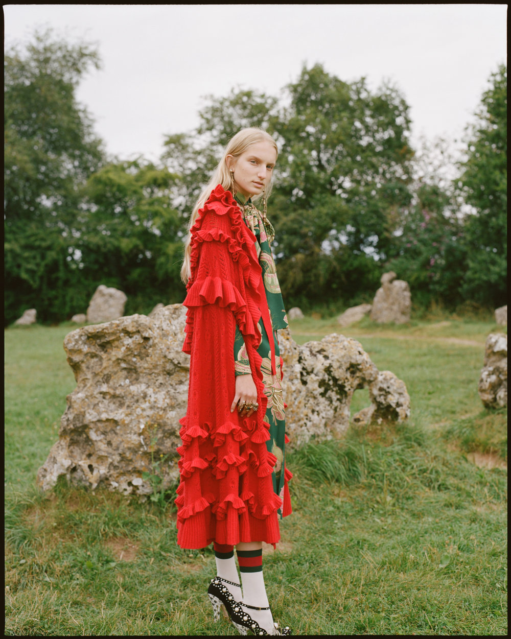 amber_mahoney_lula_japan_english_countryside_fashion_editorial_film_002.jpg