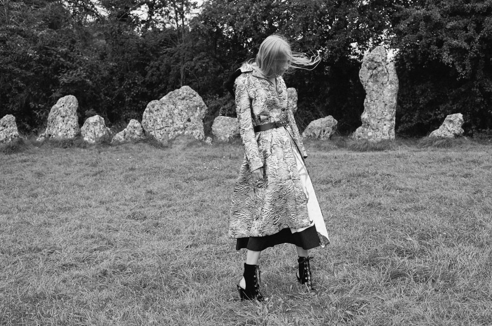 amber_mahoney_lula_japan_english_countryside_fashion_editorial_film_009.jpg