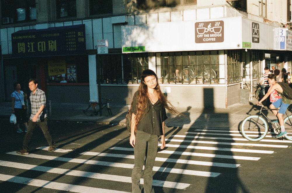 amber_mahoney_sara_skinner_hiromi_urban_outfitters_005.jpg