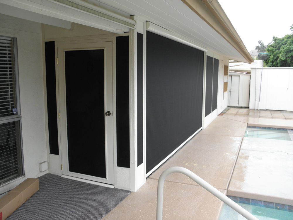 Solar Retractable Screen Blocks Sun, 92270