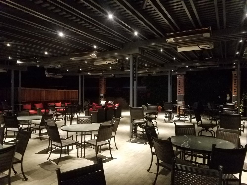 The famous Big Rock Pub in Indio, CA. Our team designed and built a 3000+ square foot outdoor patio area with all the bells and whistles. Heaters for the winter months, fans for the summer months, and custom recessed LED lighting for evening dining. Call Valley Patios today at 760-230-3205 to build the outdoor living area of your dreams!