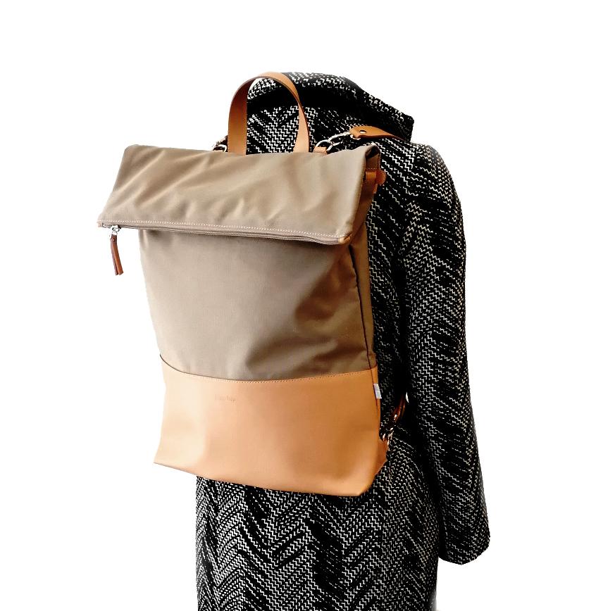 eszter_backpack2.jpg