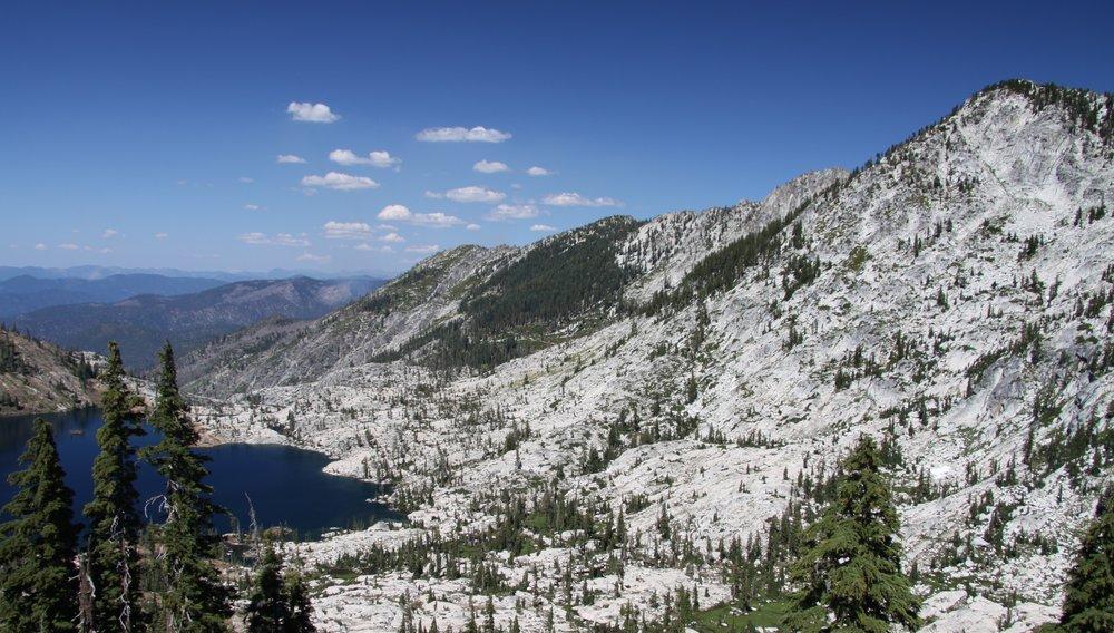 Caribou_Lake_in_Northern_California_in_2011_(7).JPG