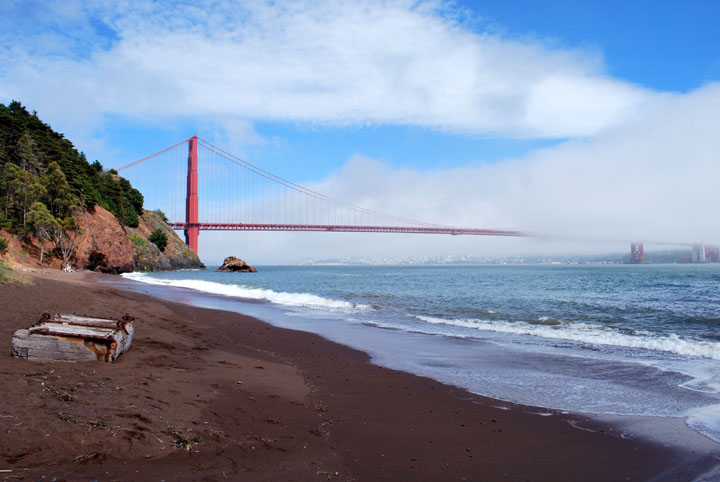Golden_Gate_Bridge,_San_Francisco_from_Kirby_Cove.jpg