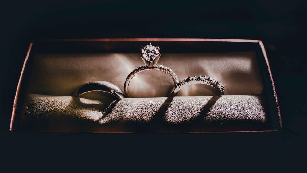 Wedding-Photographer-Getting-Ready-15.jpg