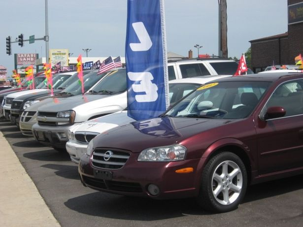 article-new_ehow_images_a04_7i_g9_get-used-car-lot-sell-800x800.jpg
