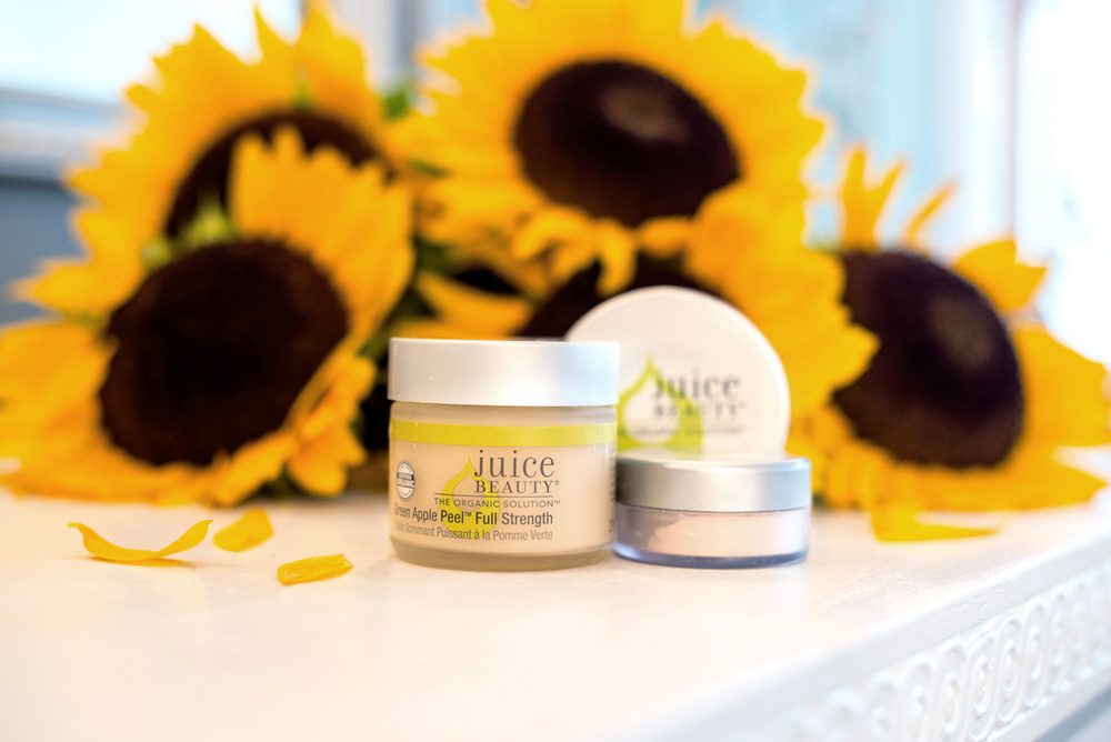 Juice Beauty  Green Apple Peel (Full Strength) ,  Translucent Blemish Clearing Powder ,  Green Apple Peel Nightly Brightening Pads