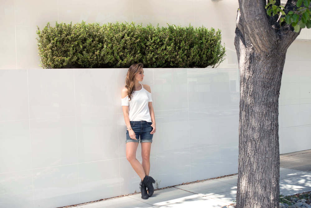 WEARING:    Tobi Cold Shoulder Top  ,   DSTLD Mid Rise Roll Up Shorts  ,   Acne Pistol Boots