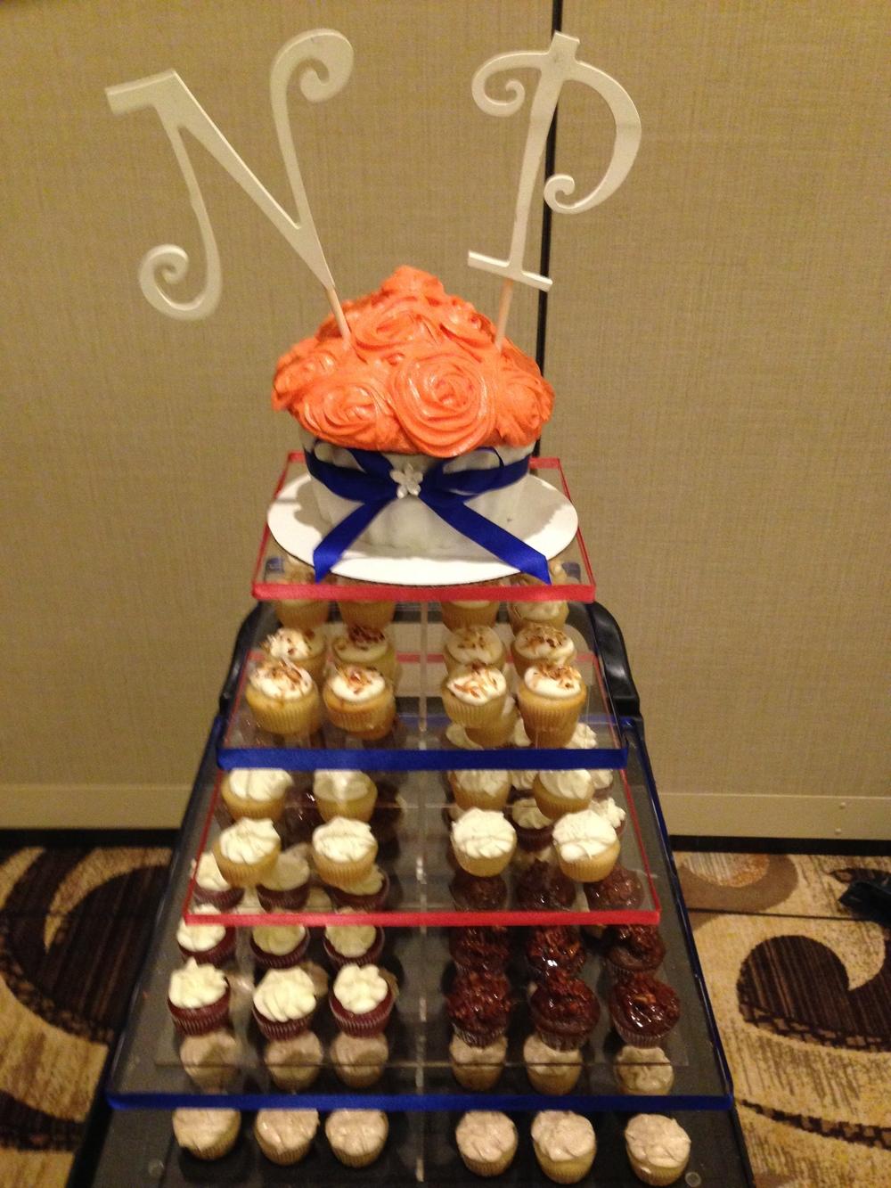moar cupcakes .jpg