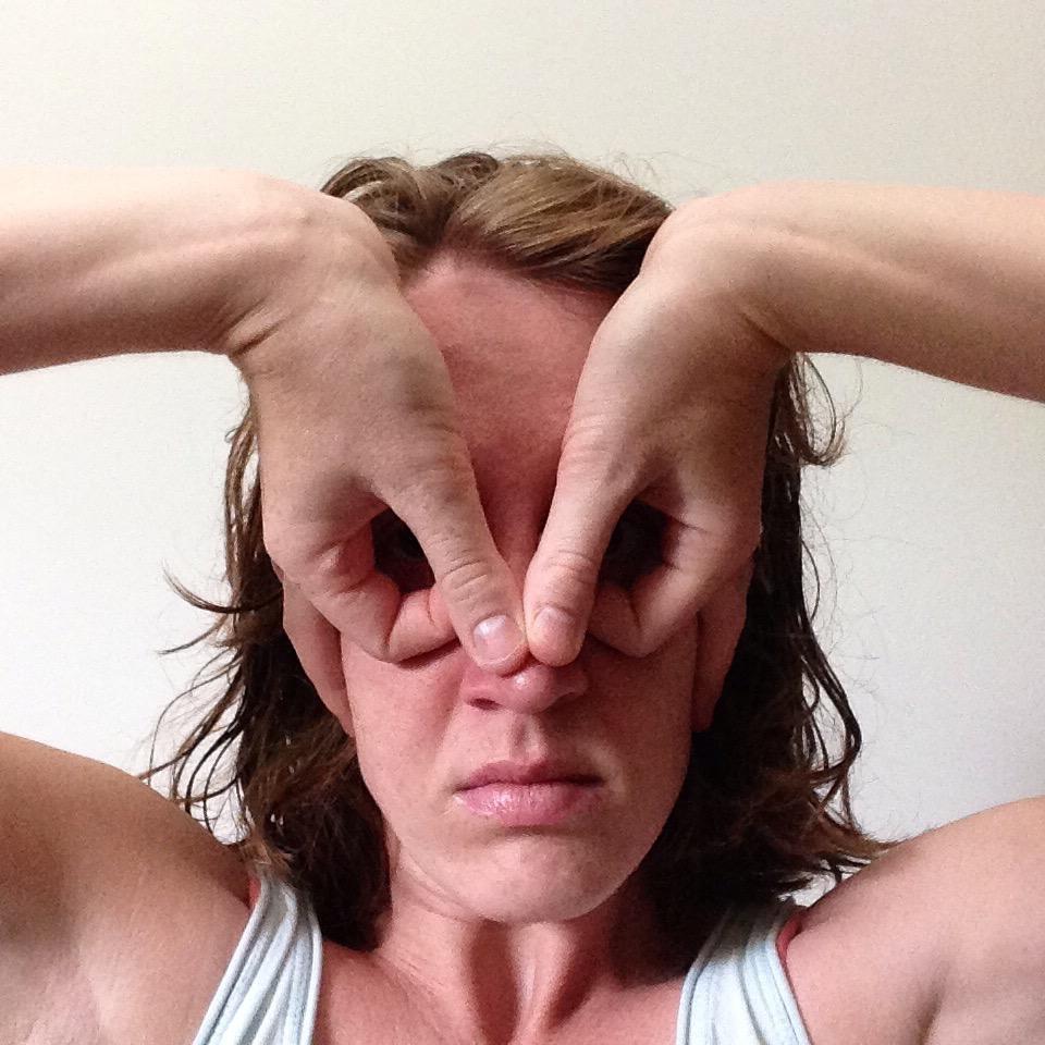 hands_mask.jpg