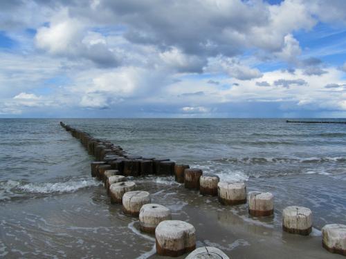 """Wenn Ihr Au-Pair schwimmen können soll - meinen Sie mit """"schwimmen"""" die Ostsee oder das Kinderplanschbecken?"""