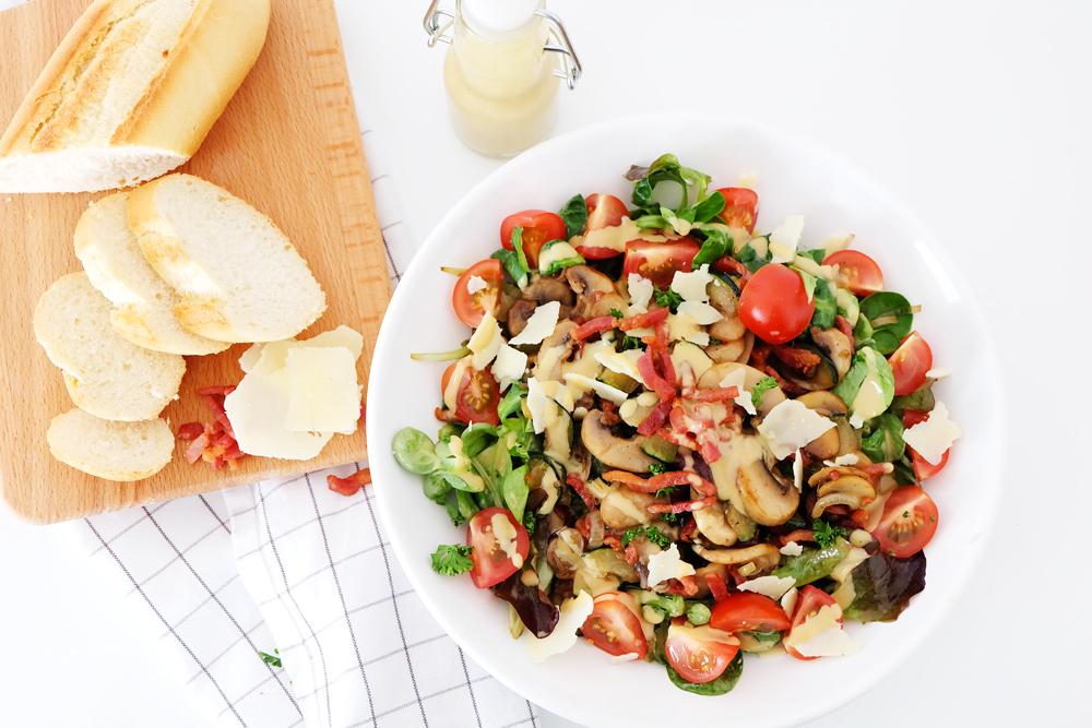 recept-lauwwarme-salade-champignons-en-courgette.jpg