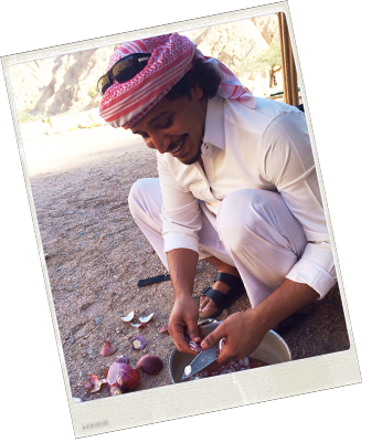 sofian-chopping-onions-the-bedouin-way