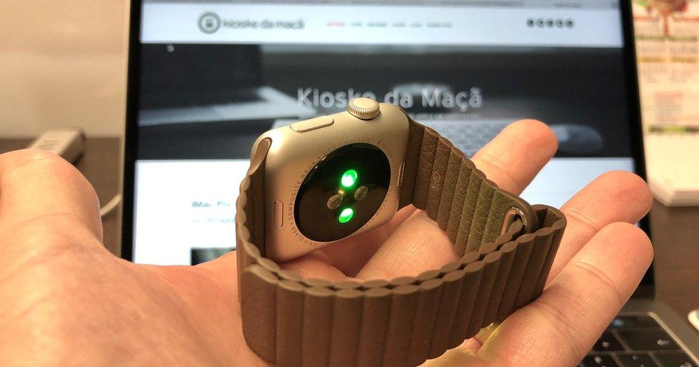 Ilustracao Apple Watch Series 3 sensor batimento cardiaco.jpg