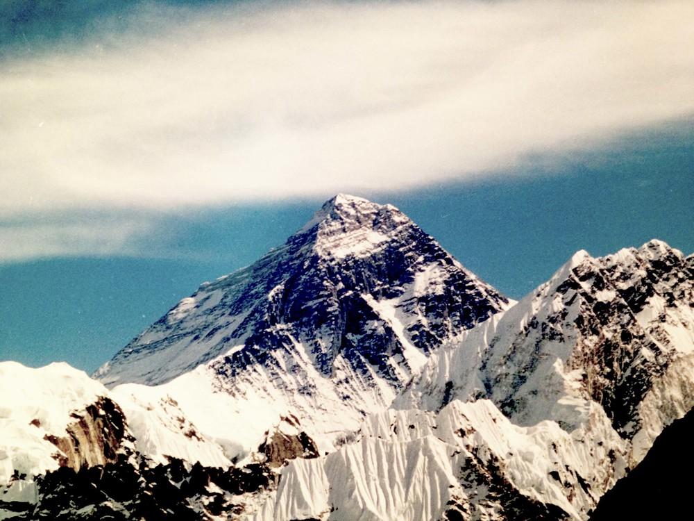 Mt. Everest, Himalaya, Nepal. Captured by Salon Vagabond.