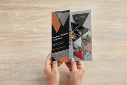 Brochure_left_fold.png