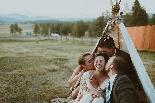 You can grow up, make new ones, But truth is there's nothing like old friends 'Cause you can't make old friends. . . . . . #wedcolorado #weddingpioneer #denverweddingphotographer #coloradoweddingphotographer #coloradowedding #coloradoweddings #estesparkwedding #aspenwedding #coloradophotographer #aspenweddingphotographer #lifeofadventure #wanderfolk #thehappynow #thatsdarling #livethelittlethings #creativefolk #wildernessculture #collectivelycreate #chooseadventure #pursuepretty #justgoshoot #finditliveit #letsgosomewhere #makemoments #coloradophotographer #weddingphotographer #denver #colorado #photobugcommunity #mountains