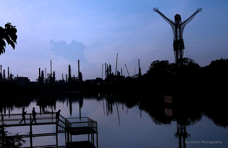El Cristo Petrolero, the oil derrick Christ of Barrancabermeja.