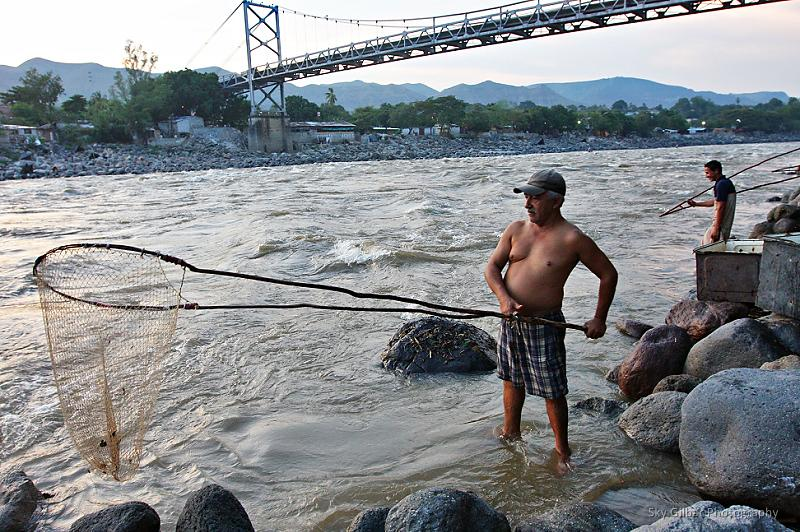Fishermen on the Rio Magdalena in Honda.