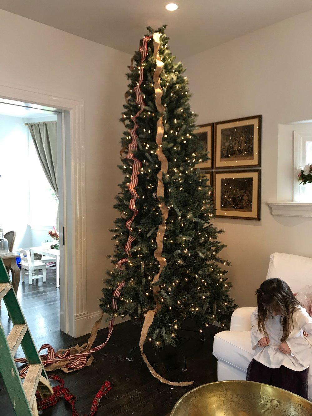 1fea331c40f84 Christmas Decorating Party — Lauren Nicholsen