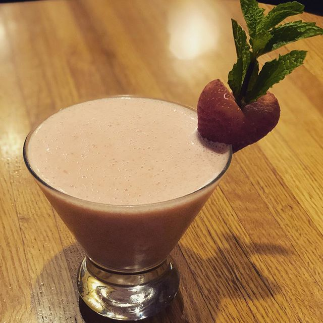 Hey Juneau you know what day it is! Come join us for Tami Tuesday tonight! @twahto never disappoints.  1. Pretty in Pink (gin, strawberries and vanilla ice cream) 2. Chocolate Peanut-butter Cup Martini  3. Butterfly kisses (vodka, orange liqueur, coconut rum and pineapple juice) . . . . . . . . . . #mcgivneys #sportsbar #mightytasty #tasty #yum #juneau #ak #alaska #dinejuneau #dba #adventurebyday #luxurybynight #juneaueats #food #foodstagram #sports #juneaurestaurants #eats #eatlikealocal #instagood #restaurant #tamituesday #mcgivneysvalley #craftcocktails