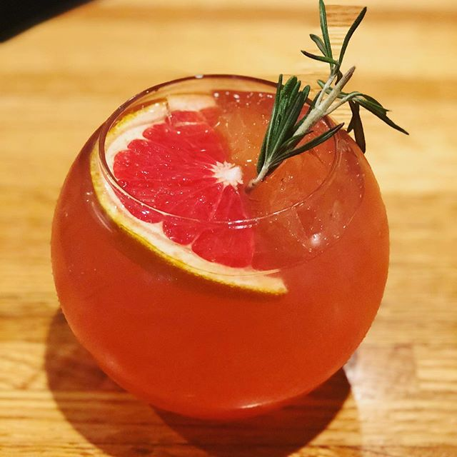 Tami Tuesday is a go! Stop in and hang out with us this evening for three specialty cocktails made by @twahto herself.  1. Grapefruit fizz with rosemary 2. Adult Orange Julius  3.  Just the Tip (spruce tip cranberry mule) . . . . . . . . . . .  #mcgivneys #sportsbar #mightytasty #tasty #yum #juneau #ak #alaska #dinejuneau #dba #adventurebyday #luxurybynight #juneaueats #food #foodstagram #sports #juneaurestaurants #eats #eatlikealocal #instagood #restaurant #tamituesday #specialtycocktails #drinksinjuneau