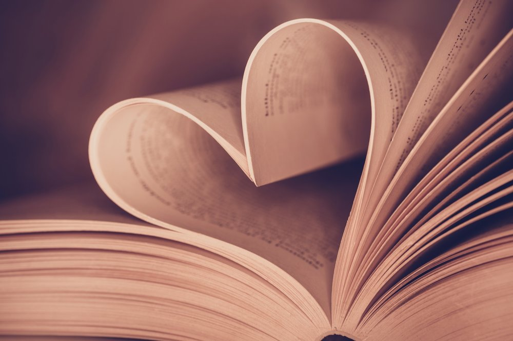 Heart-book-page---vintage-effect-style-pictures-503130452_5670x3780_Web.jpeg