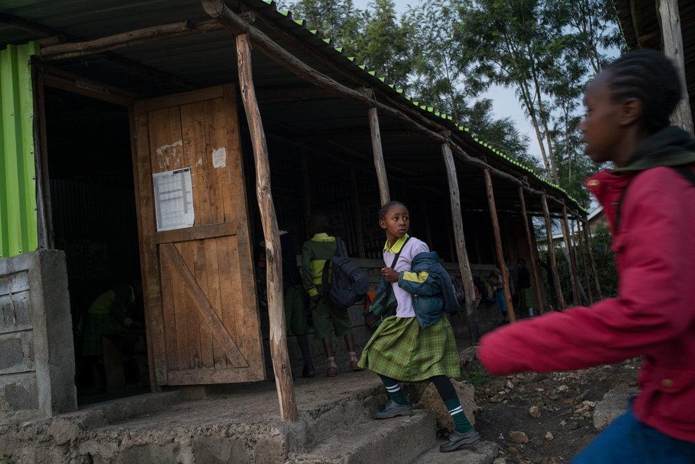 Students arrive to school and prepare for start of class at a Bridge school in Nairobi. September 20, 2016. Nairobi, Kenya.