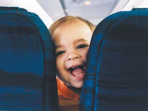 bebe-en-el-avion_reference.jpg