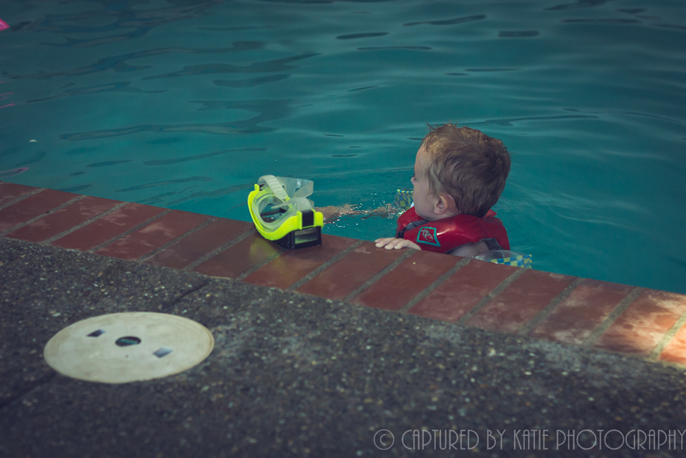 Chilling at the Edge By Captured By Katie Photography, Bonney Lake Photographer