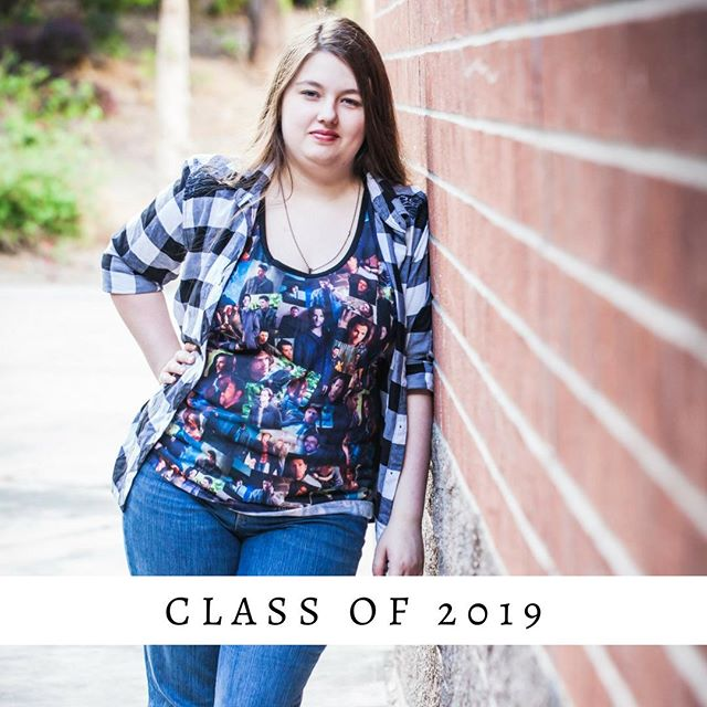 2019 Seniors  You can book your custom senior session for only $19!  These exclusive savings are only available to the first 19 seniors, so book yours today!