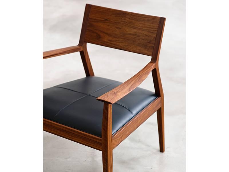 arm rest chair 3.jpg