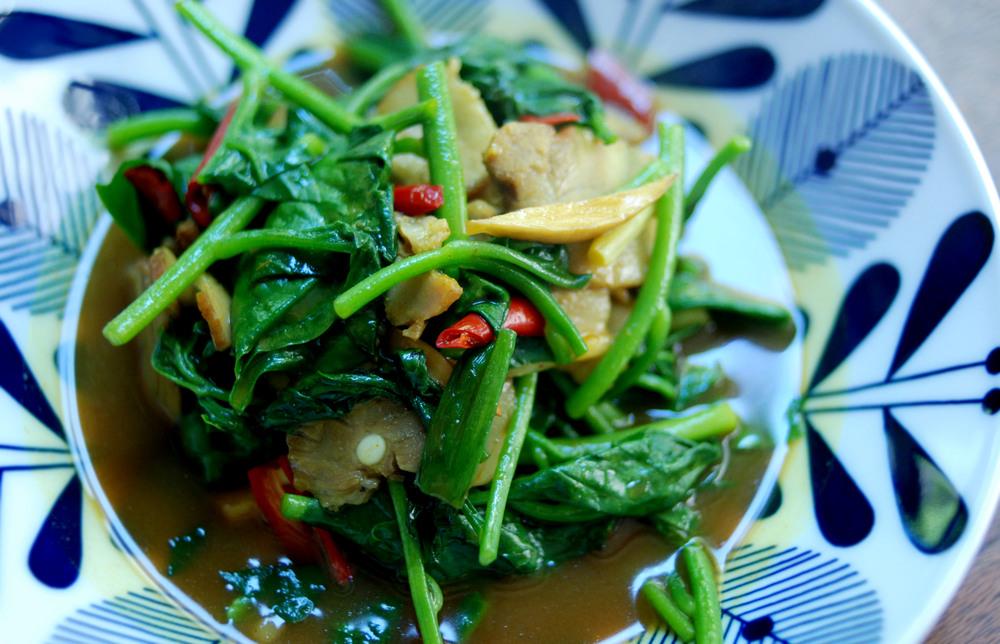 野菜炒鹹豬肉