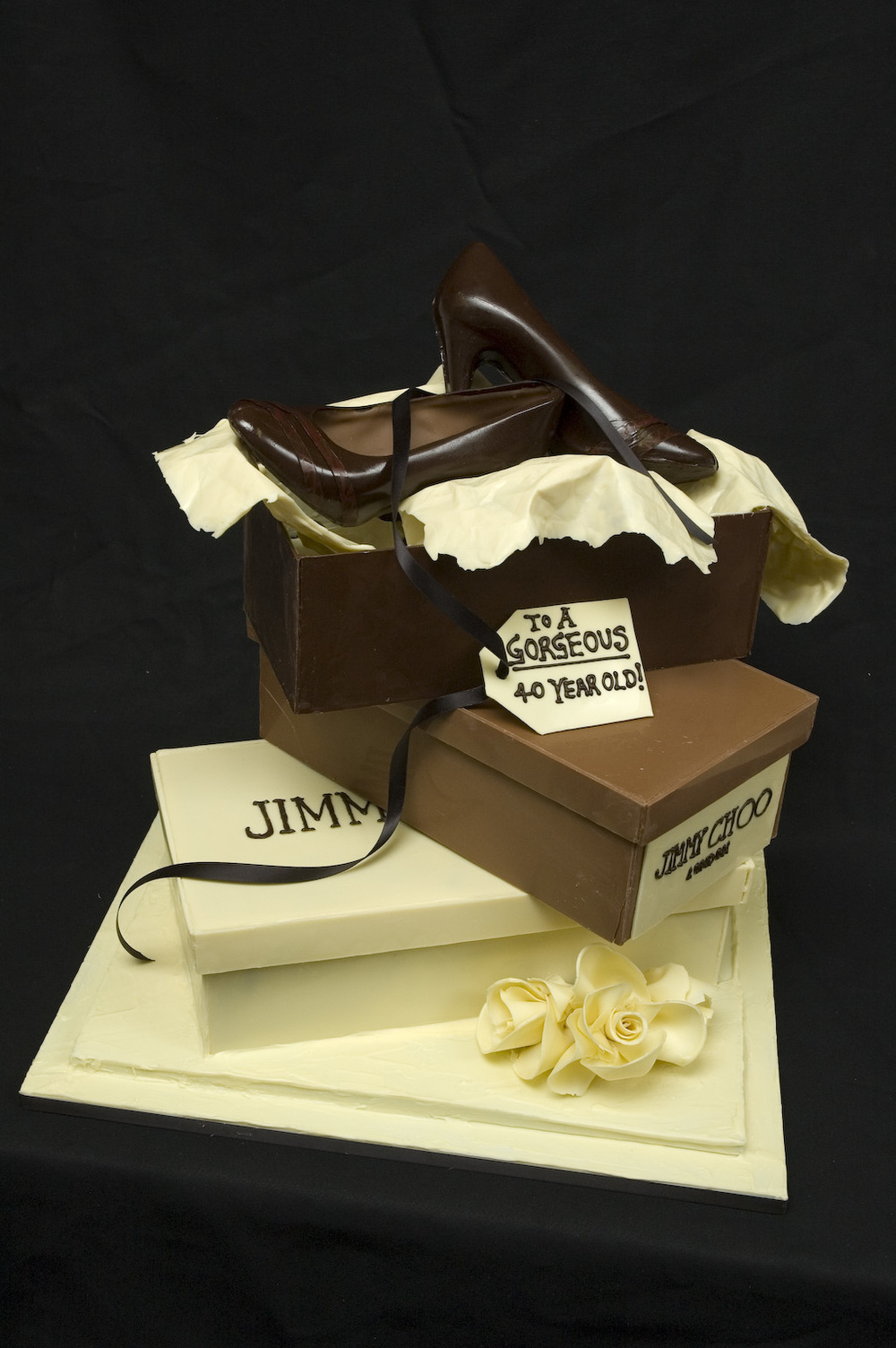 Jimmy Choo Cake sm 03.jpg