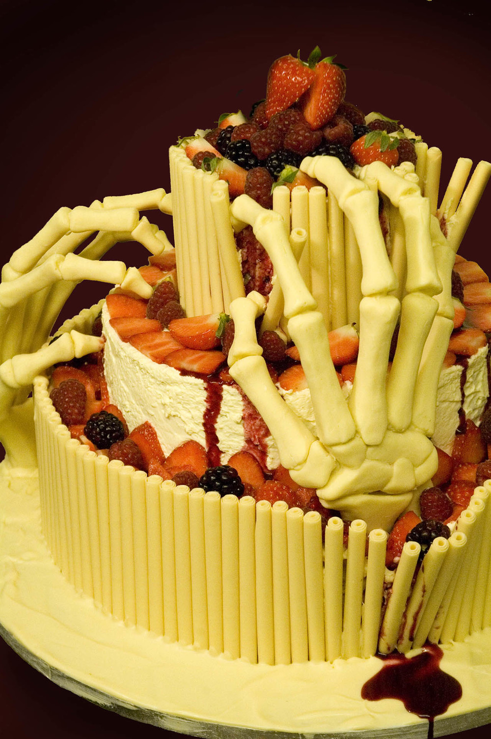 white chocolate halloween cake .jpg