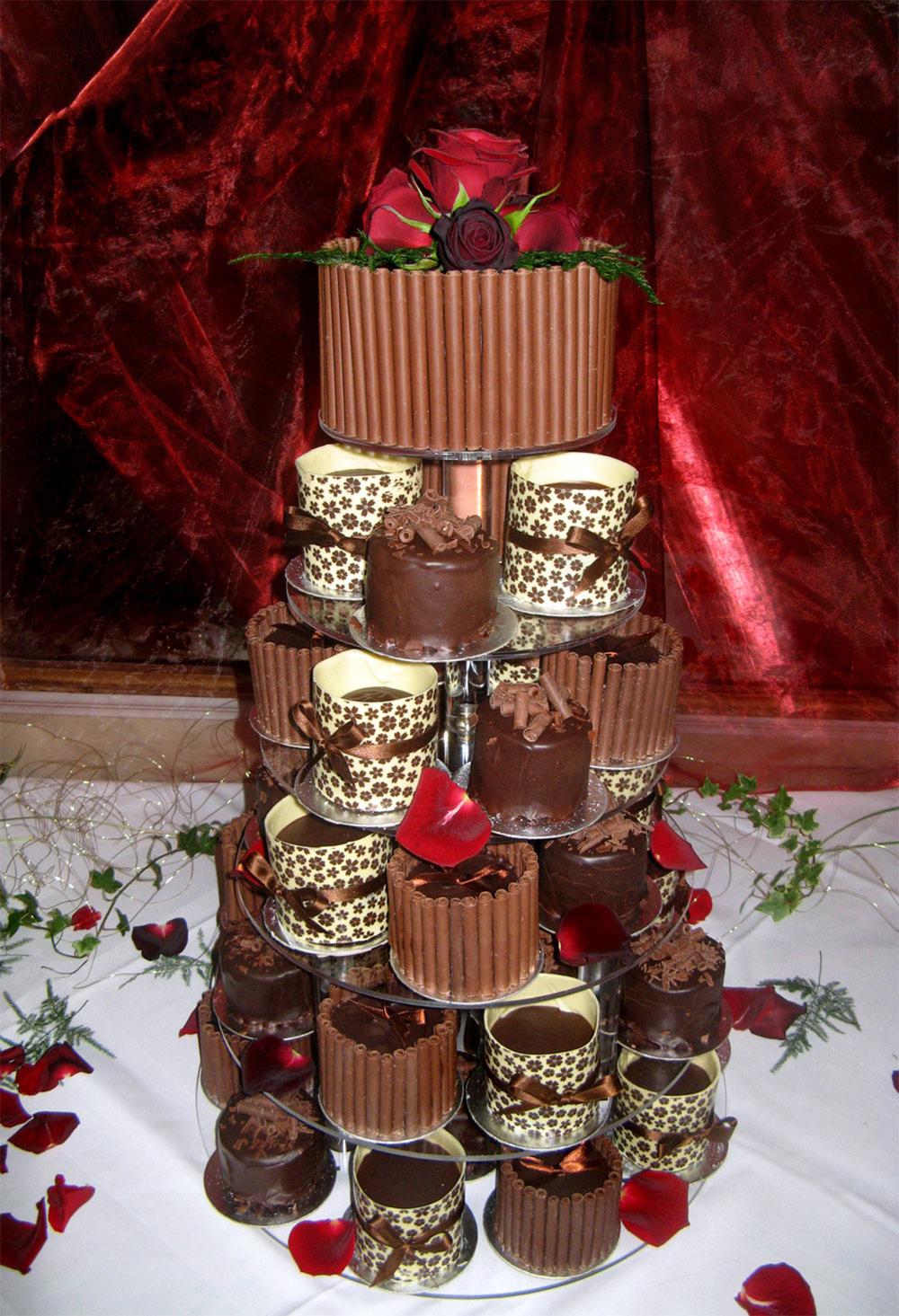 6-teir-choc-cakes-01-e.jpg